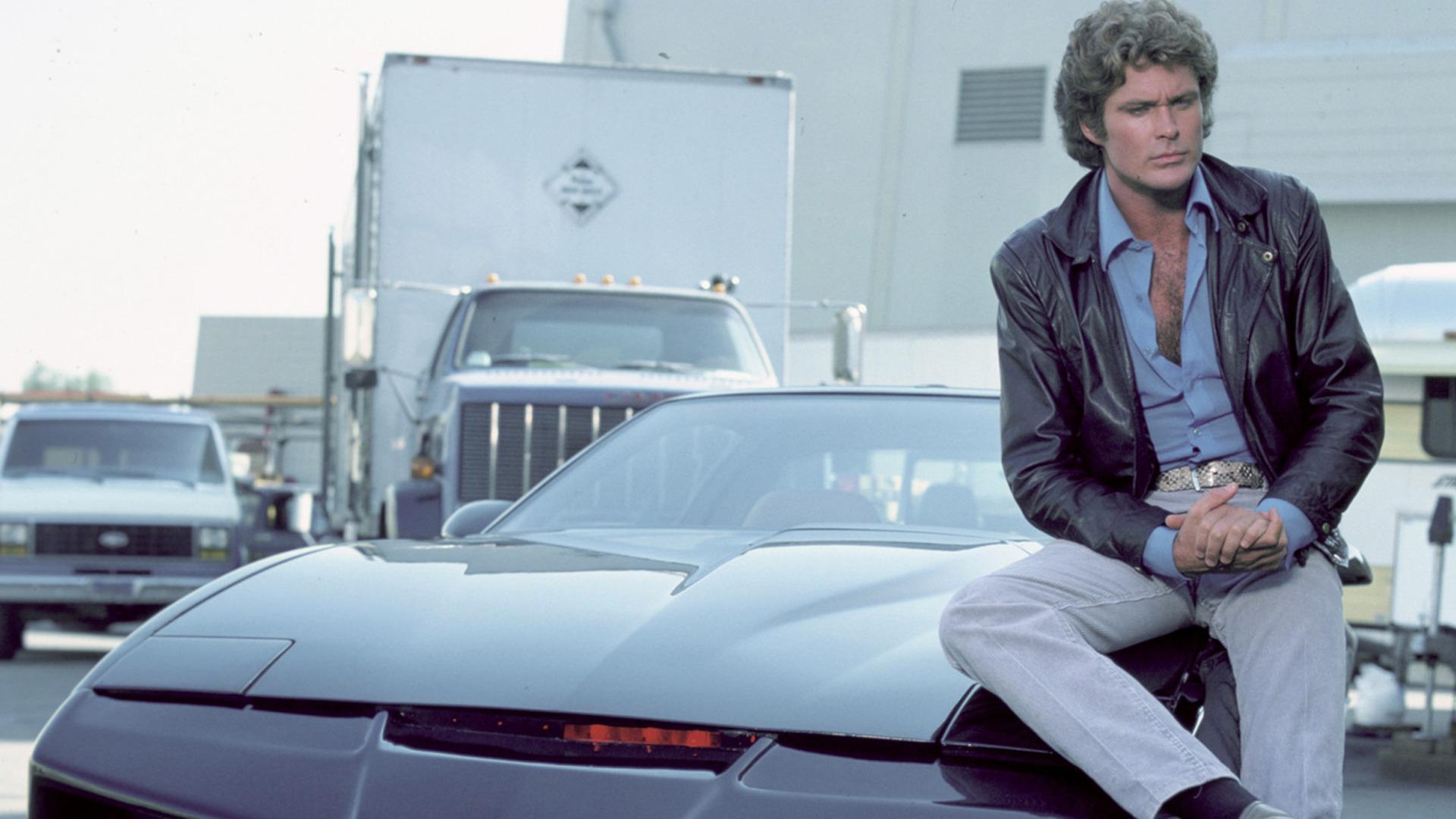– David Hasselhoff kicsit elvezeti KITT-et